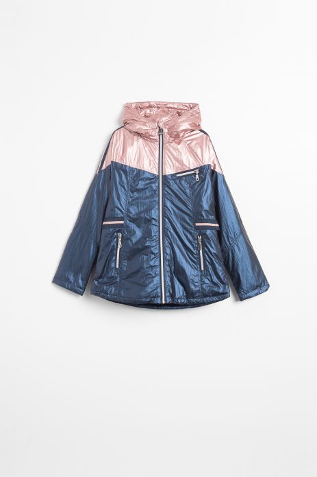 Jacket with light insulation